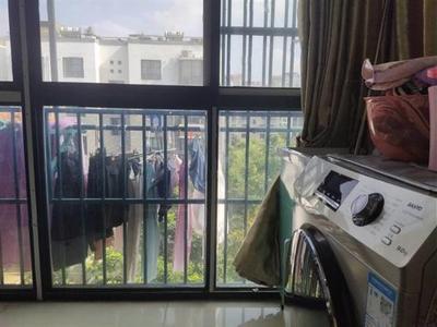 急售 亭湖九年制学校 华景园精装修 送车库 满5唯一图片