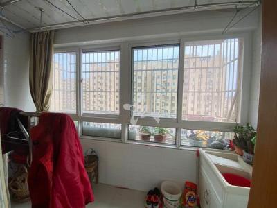 光明花园西园75平装修清爽两室送车库满2年79.8万诚售图片