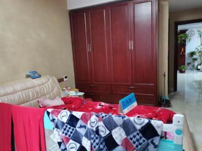 万泰时代城华府 紧靠新纪元广场农贸街 3室2厅2卫图片