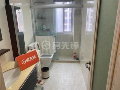 中医院对面 华府景城 精装大四房 坐拥老城区繁华 便利生活图片