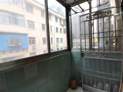 好楼层 3室精装送车库 市区解放路小学景山中学城中城朝阳新村图片