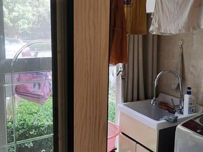 聚亨路海德公园对面凤鸣缇香精装三房交通方便图片