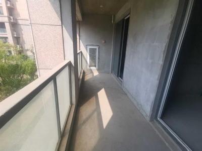 城南聚龙湖华厦绿城全新毛坯两房送车库总价170万产权清晰满2图片